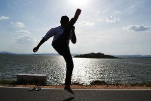 kick-185384_1280